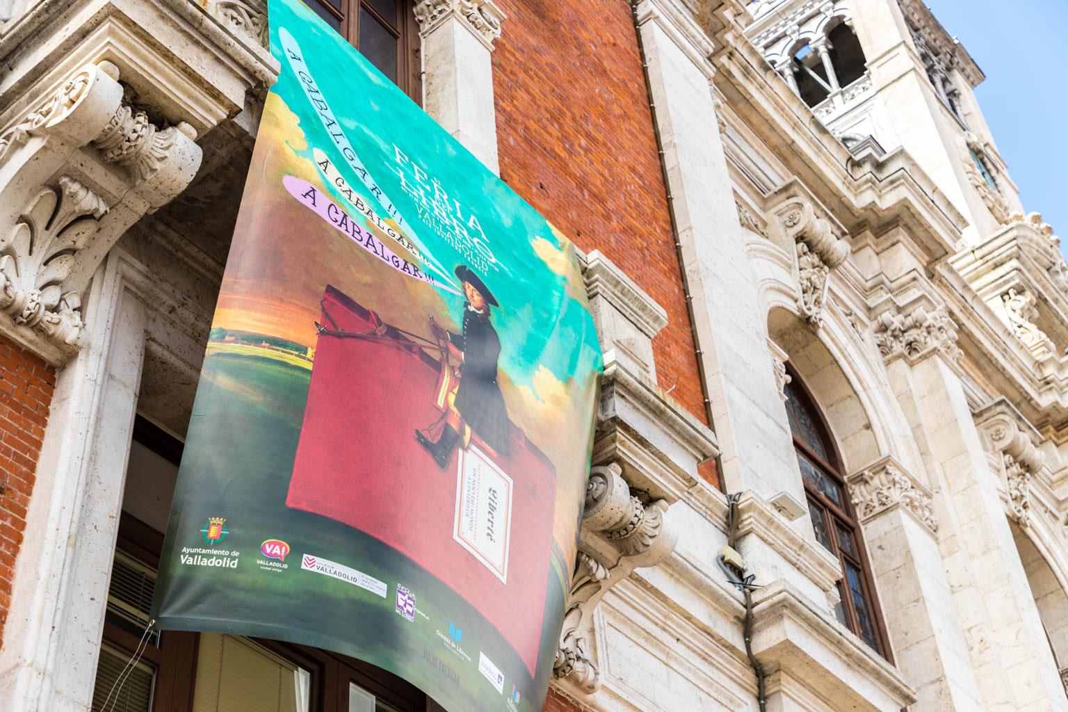"""Lona ayuntamiento 2 - Diseño editorial - Maquetación de los soportes """"Feria del Libro de Valladolid 2019"""""""